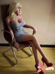 """158cm (5ft2″) G-cup """"seductive secretary"""" Stacy with blond hair, giant boobs, big ass sex doll"""